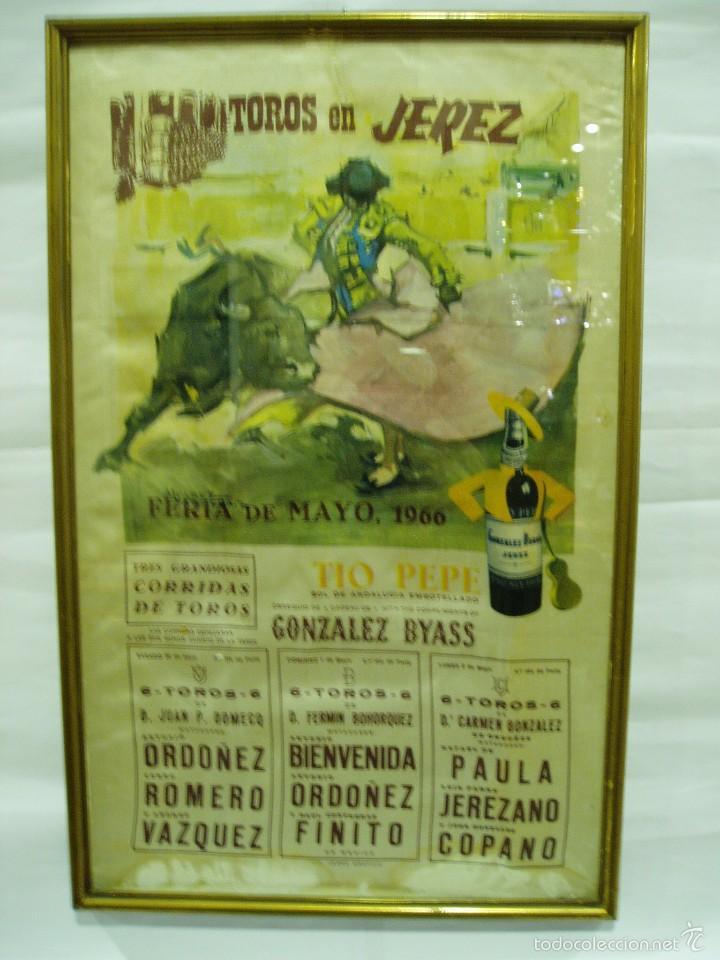 CARTEL DE TOROS DE SEDA DE JEREZ 1966, ENMARCADO (Coleccionismo - Carteles Gran Formato - Carteles Toros)