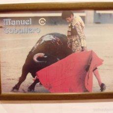 Carteles Toros: CARTEL DE MANUEL CABALLERO TOREANDO, FIRMADA POR EL TORERO, ENMARCADO. Lote 56163572