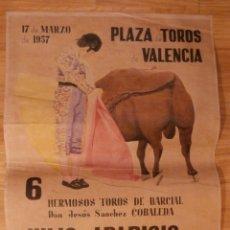 Carteles Toros: CARTEL TOROS - PLAZA TOROS DE VALENCIA - 42 CM X 29,5 CM.. - 1957 - LITIRI - RECREACIÓN -. Lote 58335820