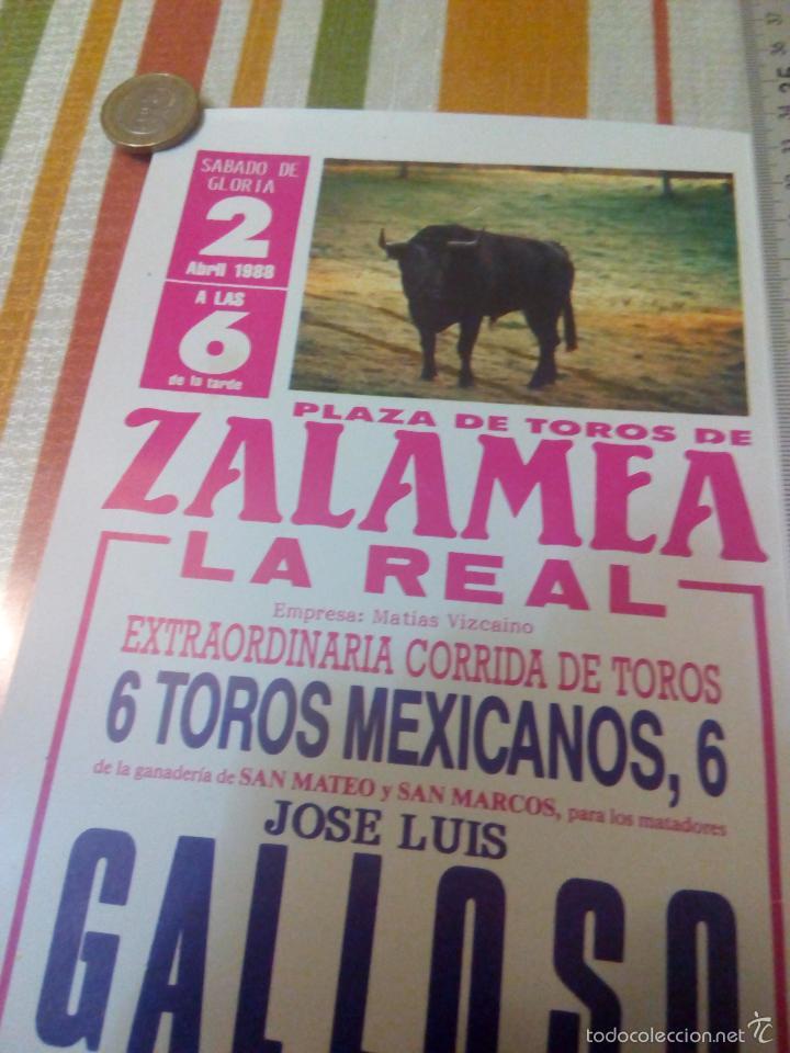 Carteles Toros: Cartel de toros de 30 x 14.centímetros plaza de zalamea la real de Huelva abril de 1988 - Foto 2 - 59670239
