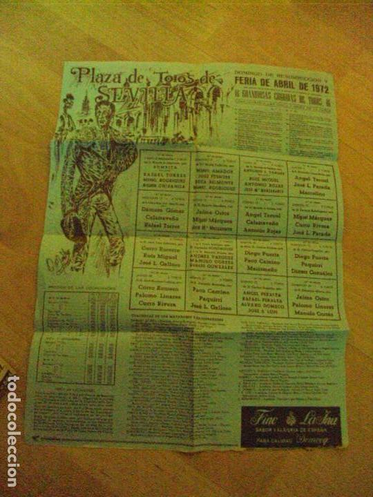 CARTEL DE TOROS. PLAZA DE SEVILLA. DOMINGO DE RESURECCION Y FERIA DE ABRIL DE 1972. (Coleccionismo - Carteles Gran Formato - Carteles Toros)