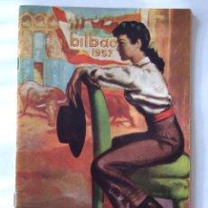 Carteles Toros: FOLLETO DE LA PLAZA DE TOROS DE BILBAO 1957. Lote 102258407