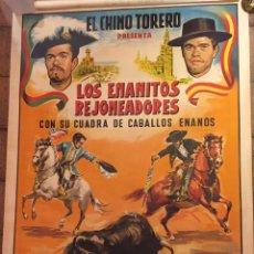 Carteles Toros: CARTEL POSTER LITOGRAFÍA ENANITOS REJONEADORES, EL CHINO TORERO. AUTOR DONAT.. Lote 114631127
