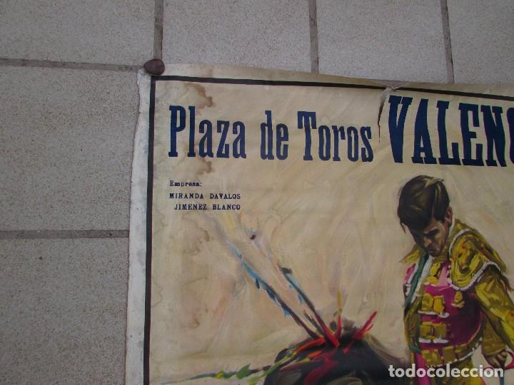 Carteles Toros: LOTE DE TRES CARTELES 1964 1965 VALENCIA GRAN TAMAÑO 235X112 - LITRI PACO CAMINO CORDOBES... - Foto 3 - 130920516