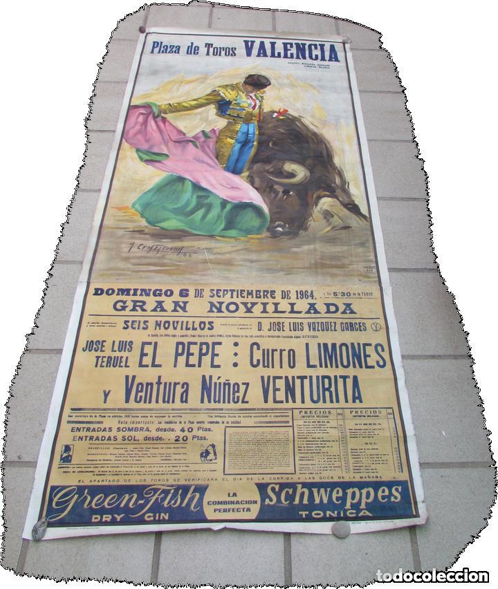 Carteles Toros: LOTE DE TRES CARTELES 1964 1965 VALENCIA GRAN TAMAÑO 235X112 - LITRI PACO CAMINO CORDOBES... - Foto 9 - 130920516
