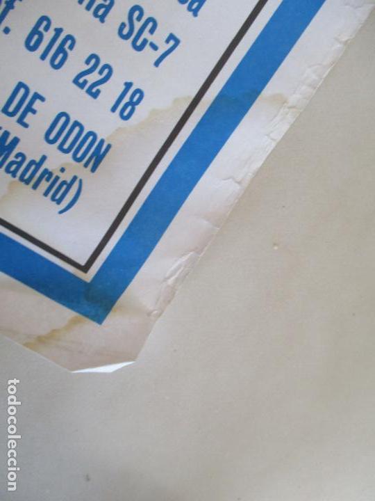Carteles Toros: CARTEL; PLAZA TOROS VILLAVICIOSA DE ODON- SEPTIEMBRE DE 1989-MIDE 149 X 69 - Foto 8 - 156510382