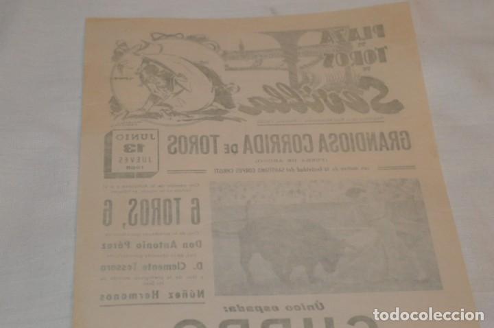 Carteles Toros: Único espada - CURRO ROMERO - Cartel de toros - SEVILLA - Jueves 13 de Junio 1968 - ¡Impresionante! - Foto 9 - 178816026