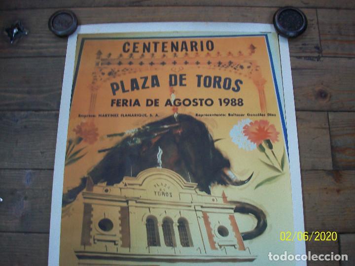 Carteles Toros: PLAZA DE TOROS DE ALMERIA-AGOSTO 1988-FCO RUIZ MIGUEL-JOSE ANT.CAMPUZANO-JOSE ORTEGA CANO-NIÑO DE LA - Foto 2 - 193187771