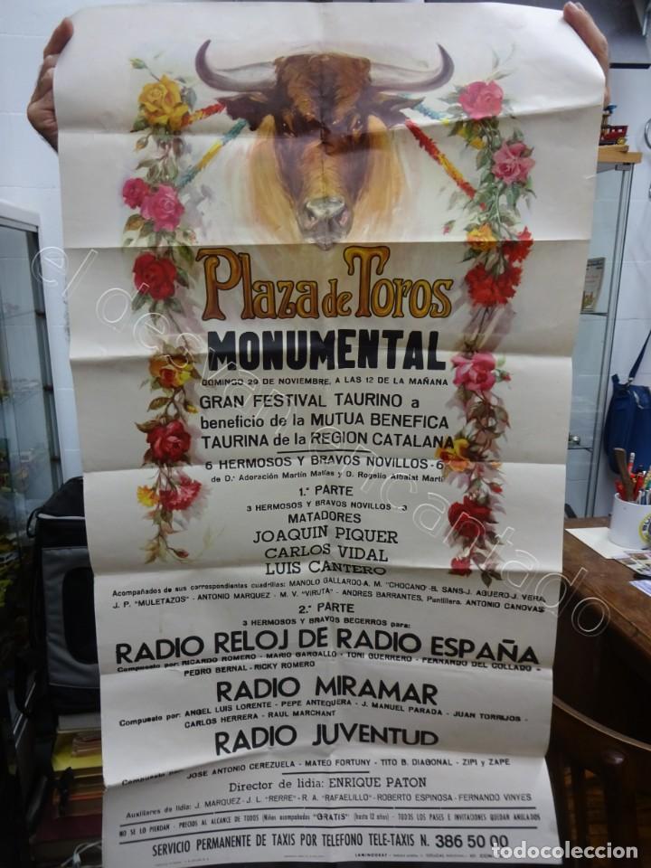 CARTEL PLAZA TOROS MONUMENTAL. BARCELONA 1970. 100 X 53 CTMS. FESTIVAL BENÉFICO REGION CATALANA (Coleccionismo - Carteles Gran Formato - Carteles Toros)