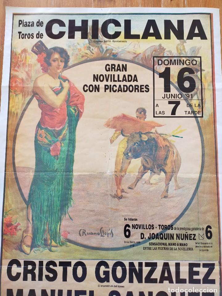 Carteles Toros: CARTEL (70X45): NOVILLADA PLAZA DE TOROS DE CHICLANA (CÁDIZ) 1991 - Foto 2 - 245651255