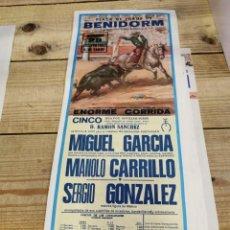 Carteles Toros: BENIDORM, 1983, CARTEL DE TOROS, MIGUEL GARCIA, MANOLO CARRILLO Y SERGIO GONZALEZ, 19X46 CMS. Lote 262295380