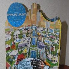 Carteles de Transportes: CARTEL EN RELIEVE CON PUBLICIDAD DE PAN AM - FOLLETO PANAM - FERIA MUNDIAL DE NUEVA YORK - 1964 . Lote 70568001