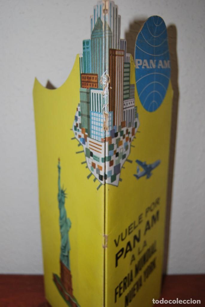 Carteles de Transportes: CARTEL EN RELIEVE CON PUBLICIDAD DE PAN AM - FOLLETO PANAM - FERIA MUNDIAL DE NUEVA YORK - 1964 - Foto 23 - 70568001