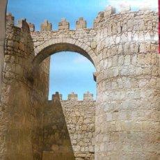 Carteles de Turismo: CARTEL TURISTICO AVILA. MURALLA PUERTAS SAN VICENTE DIRECCION PROMOCION TURISMO C. 1960. Lote 26494071