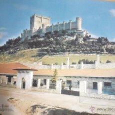 Carteles de Turismo: CARTEL O POSTER DEL CASTILLO DE PEÑAFIEL CON LAS BODEGAS PROTOS ABAJO. Lote 40145091