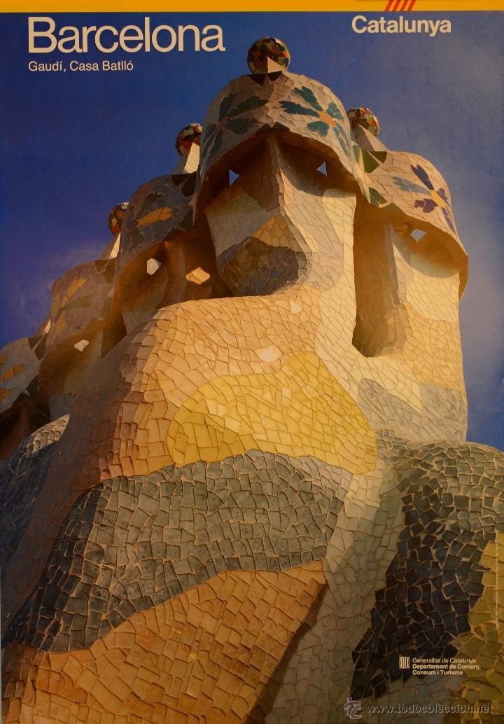 CARTEL BARCELONA. GAUDI. CASA BATLLÓ. 1985. QUOD/TONI VIDAL (FOTO) . 82 X 56 CM (Coleccionismo - Carteles Gran Formato - Carteles Turismo)