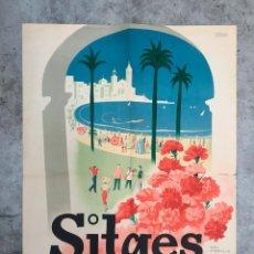 Carteles de Turismo: CARTEL ORIGINAL DE SITGES XVI EXPOSICION NACIONAL DE CLAVELES CORPUS 1955 , ALFOMBRAS DE FLORES. Lote 151901054