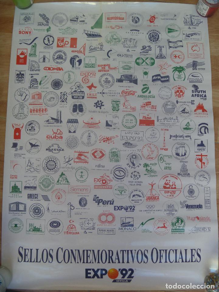 COLECCIONISMO EXPO´92 DE SEVILLA : CARTEL CON LOS SELLOS CONMEMORATIVOS DE LOS PABELLONES (Coleccionismo - Carteles Gran Formato - Carteles Turismo)