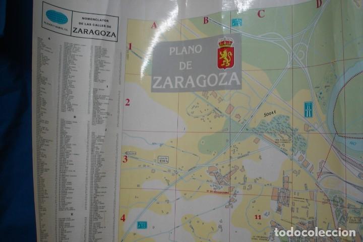 Carteles de Turismo: CARTEL/ MAPA DE ZARAGOZA EDITADO POR EL AYUNTAMIENTO EN 1982 - Foto 3 - 183329438