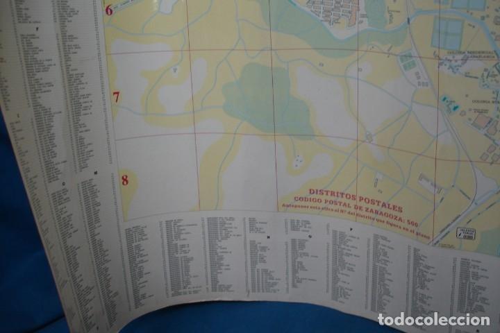 Carteles de Turismo: CARTEL/ MAPA DE ZARAGOZA EDITADO POR EL AYUNTAMIENTO EN 1982 - Foto 5 - 183329438