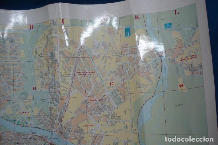 Carteles de Turismo: CARTEL/ MAPA DE ZARAGOZA EDITADO POR EL AYUNTAMIENTO EN 1982 - Foto 9 - 183329438