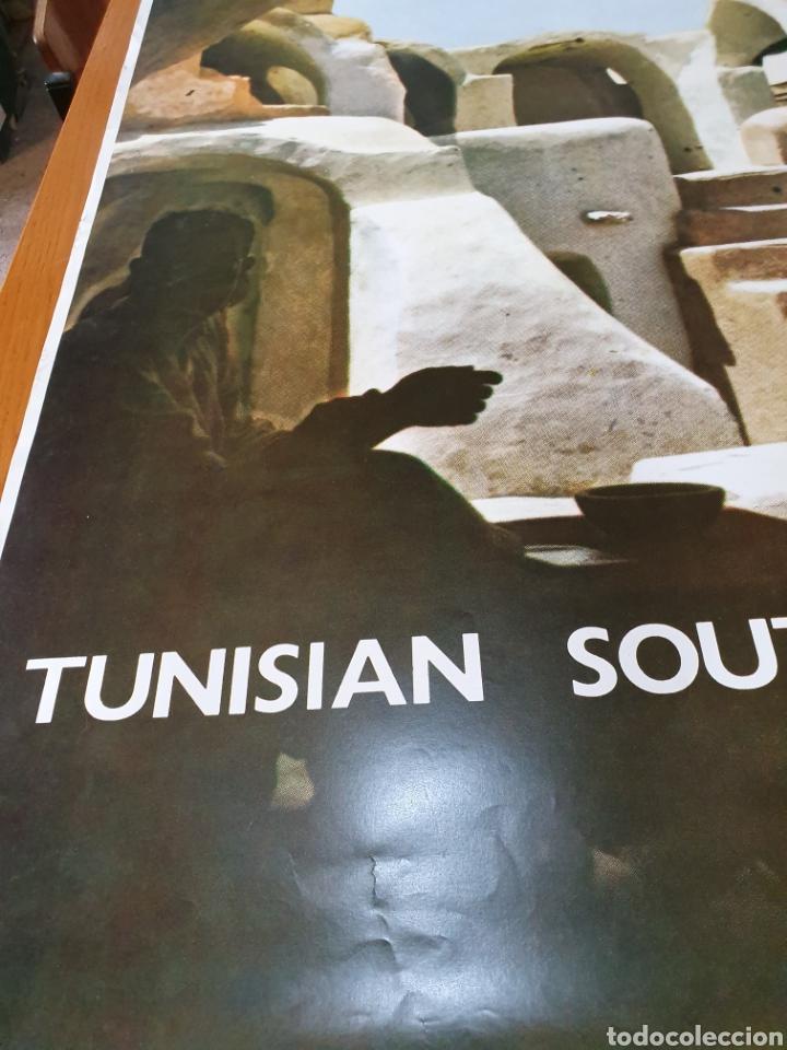 Carteles de Turismo: Tunisian south, photo j.bergerot, 97 cm x 65 cm. Años 70. - Foto 2 - 200025280