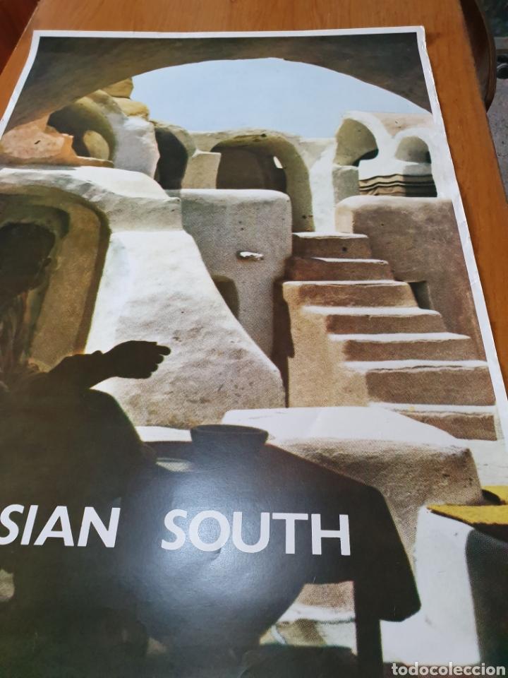 Carteles de Turismo: Tunisian south, photo j.bergerot, 97 cm x 65 cm. Años 70. - Foto 3 - 200025280
