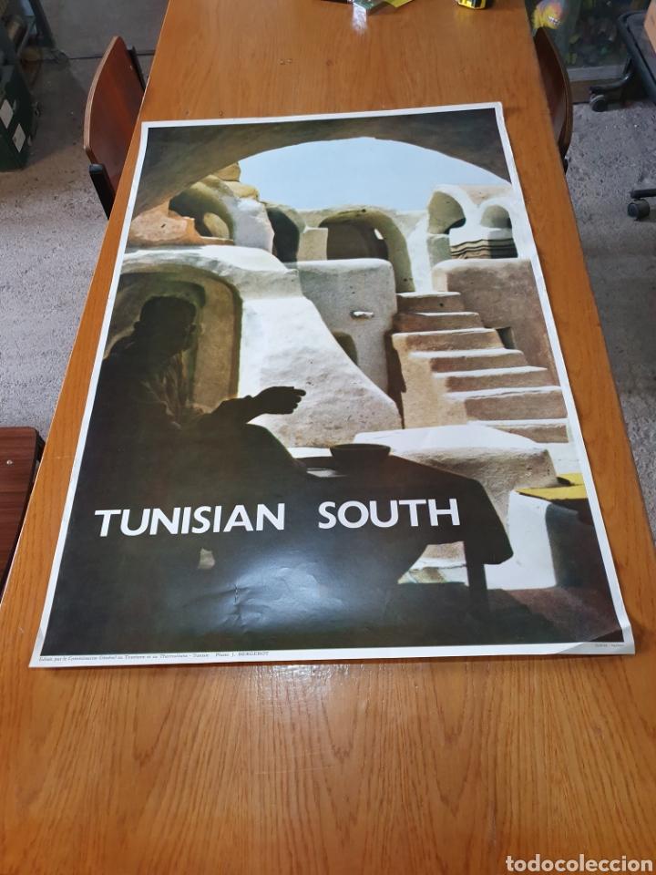 TUNISIAN SOUTH, PHOTO J.BERGEROT, 97 CM X 65 CM. AÑOS 70. (Coleccionismo - Carteles Gran Formato - Carteles Turismo)