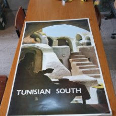 Carteles de Turismo: TUNISIAN SOUTH, PHOTO J.BERGEROT, 97 CM X 65 CM. AÑOS 70.. Lote 200025280
