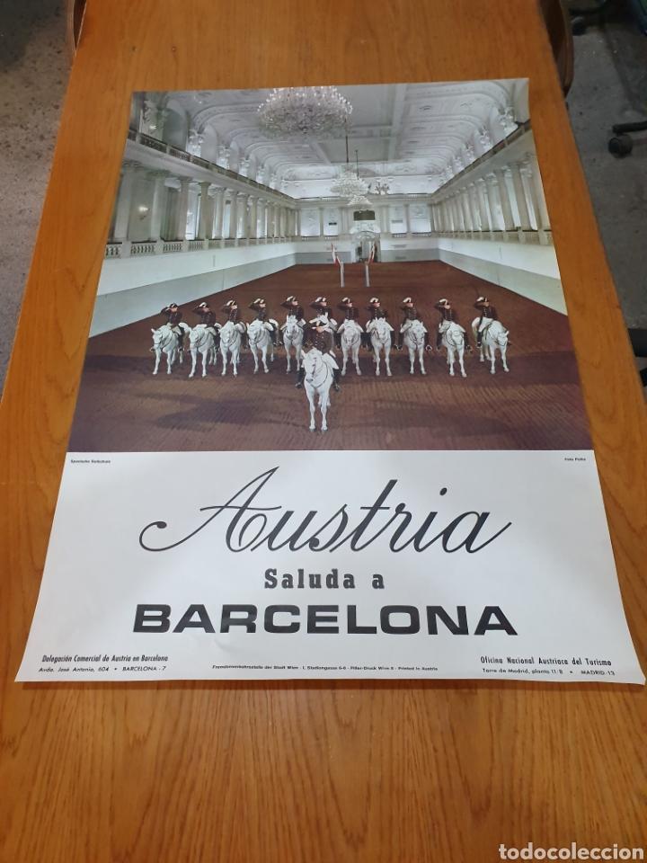 AUSTRIA, SALUDA A BARCELONA, 84 CM X 59 CM, AÑOS 70 (Coleccionismo - Carteles Gran Formato - Carteles Turismo)