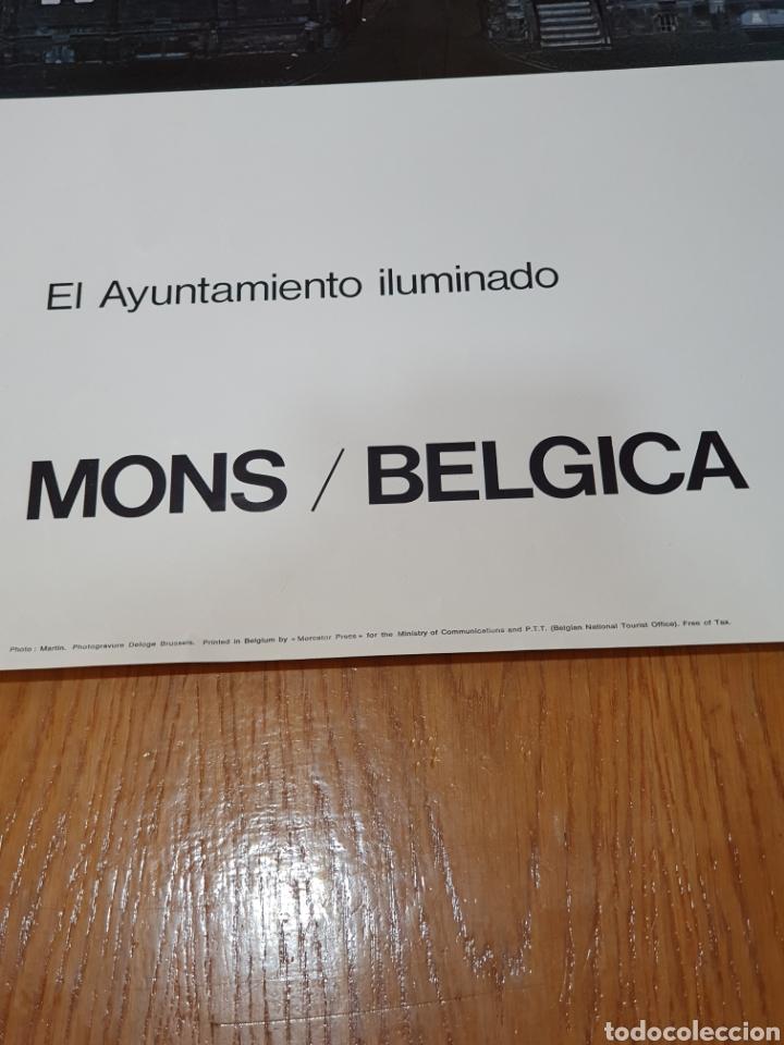 Carteles de Turismo: Mons, Bélgica, el ayuntamiento iluminado, 98 cm x 58, de los años 70. - Foto 2 - 200101983