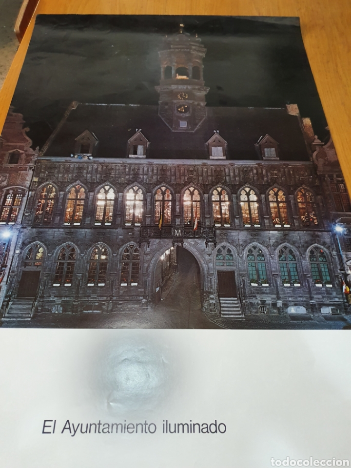 Carteles de Turismo: Mons, Bélgica, el ayuntamiento iluminado, 98 cm x 58, de los años 70. - Foto 3 - 200101983