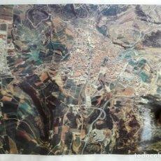 Carteles de Turismo: POSTER FOTO BERGA. VUELO FOTOGRAMETRICO A 4.500 M. MEDIDAS: 128 X 98. AÑOS 90. Lote 213660823