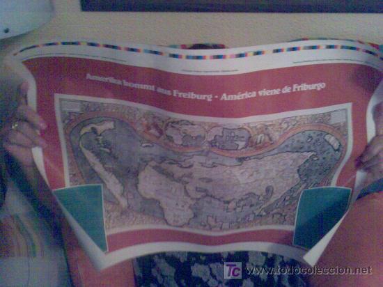 Carteles: Cartel 'Amerika kommt aus Freiburg'. Con mapa de Waldsemüller, S. XVI. En español y alemán. - Foto 2 - 85737300