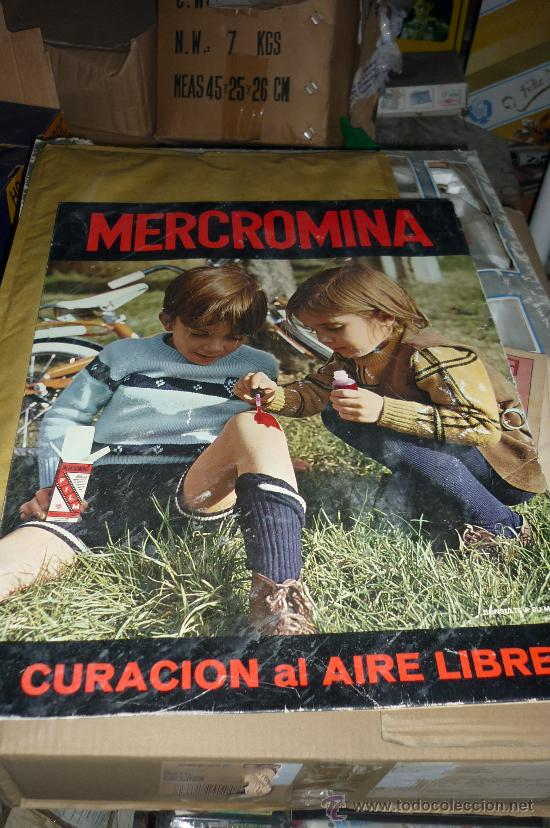 CARTEL DISPLAY FARMACIA DE MERCROMINA CURACION AL AIRE LIBRE..ANTIGUO CARTON (Coleccionismo - Carteles Gran Formato - Carteles Varios)