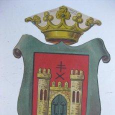 Carteles: PRECIOSO ESCUDO LITOGRAFICO TROQUELADO DE BAEZA, JAEN, AÑOS 1890-1900. Lote 30098996