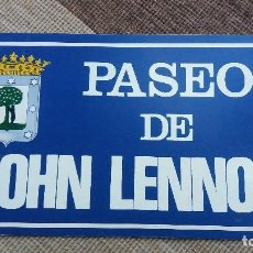 Carteles: F-486- CARTEL CARTÓN PASEO DE JOHN LENNON - MADRID- THE BEATLES- ORIGINAL 1981.. Lote 117317987