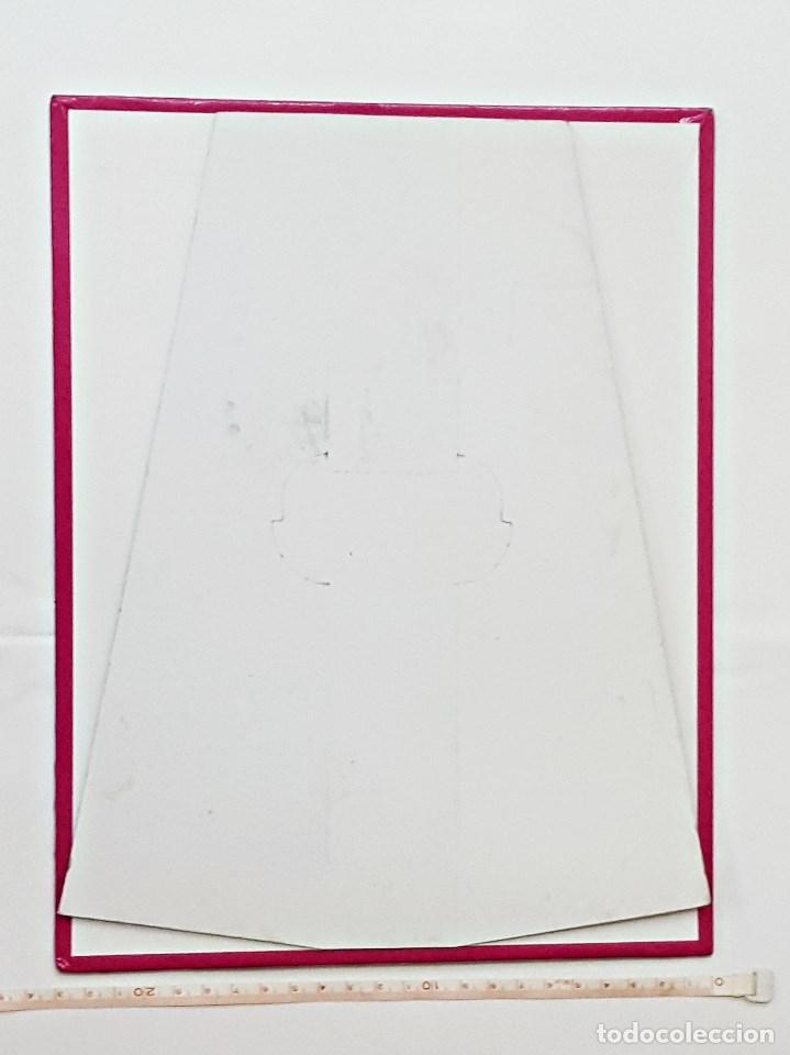 Carteles: 2 Display publicitario de carton duro COCOA. - Foto 3 - 135442510