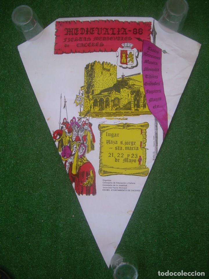 CARTEL MEDIEVALIA 88. FIESTAS MEDIEVALES DE CÁCERES 1998, 43X58 CM. (Coleccionismo - Carteles Gran Formato - Carteles Varios)