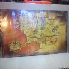 Carteles: PÓSTER DE EL SEÑOR DE LOS ANILLOS, MAPA, 92 X 62 CM, SE ENVÍA EN UN TUBO DE CARTÓN. Lote 144227549