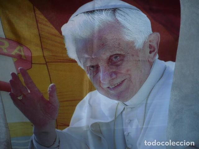 Carteles: CARTEL DEL PAPA BENEDICTO XVI EN TELA FINA - Foto 2 - 155465018
