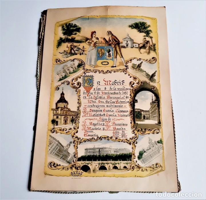 1957 CARTEL RECORDATORIO FAMILIAR DE MATRIMONIO AVELY ORLAS MADRID 28.5.X 41.5.CM (Coleccionismo - Carteles Gran Formato - Carteles Varios)