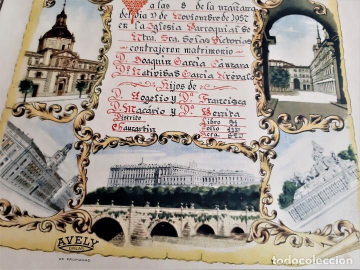 Carteles: 1957 CARTEL RECORDATORIO FAMILIAR DE MATRIMONIO AVELY ORLAS MADRID 28.5.X 41.5.CM - Foto 3 - 188396487