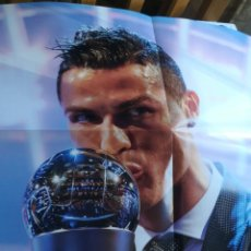 Carteles: PÓSTER GIGANTE CRISTIANO RONALDO THE BEST 2007. Lote 194787356