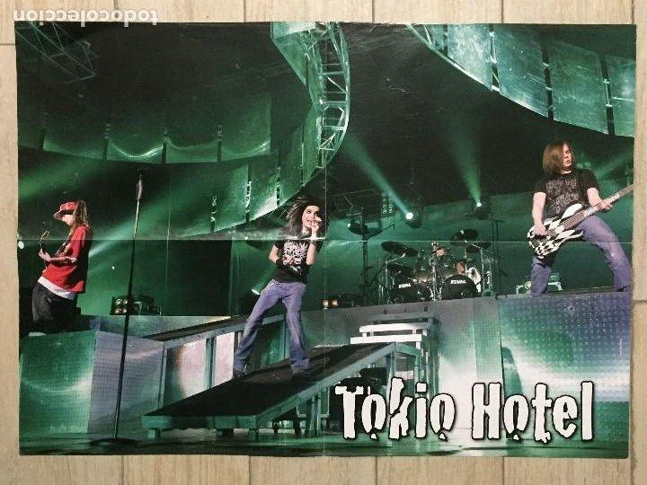 POSTER GRANDE DOBLE TOKIO HOTEL Y GUSTAV 58 X 43 CM POSTER DOS CARAS CON DOBLECES (Coleccionismo - Carteles Gran Formato - Carteles Varios)