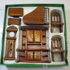 Casas de Muñecas: PRECIOSO SET SALON PIANO 7 PIEZAS EN MINIATURA. Lote 21833852