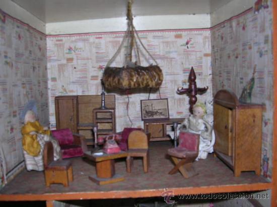 Casas de Muñecas: CASA DE MUÑECAS,AÑOS 20 COMPLETA CON MUÑECAS Y MOBILIARIO TODO DE EPOCA,VER FOTOGRAFIAS ADICIONALES. - Foto 10 - 21741984