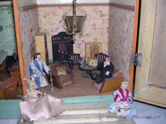 Casas de Muñecas: CASA DE MUÑECAS,AÑOS 20 COMPLETA CON MUÑECAS Y MOBILIARIO TODO DE EPOCA,VER FOTOGRAFIAS ADICIONALES. - Foto 12 - 21741984