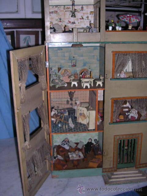 Casas de Muñecas: CASA DE MUÑECAS,AÑOS 20 COMPLETA CON MUÑECAS Y MOBILIARIO TODO DE EPOCA,VER FOTOGRAFIAS ADICIONALES. - Foto 20 - 21741984