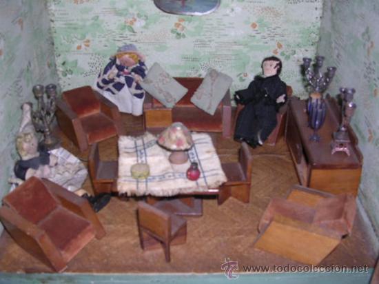 Casas de Muñecas: CASA DE MUÑECAS,AÑOS 20 COMPLETA CON MUÑECAS Y MOBILIARIO TODO DE EPOCA,VER FOTOGRAFIAS ADICIONALES. - Foto 26 - 21741984